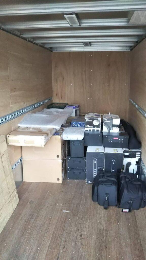 劇団、2トントラック、積載例